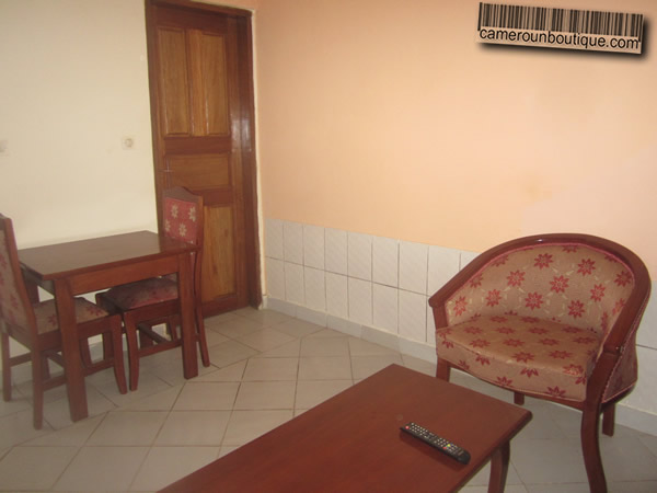 Appartement meubl f2 cit verte yaound for Appartement meuble a yaounde cameroun