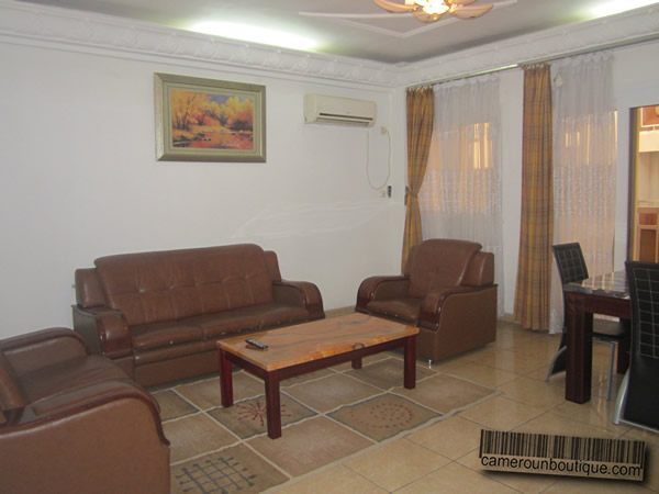 Appartement meubl 3 chambres f4 douala akwa wouri 90 for Appartement meuble douala